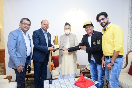 Governor Shri Bhagat Singh Koshyari Inaugurated The Dadasaheb Phalke Icon Award 2020 Trophy