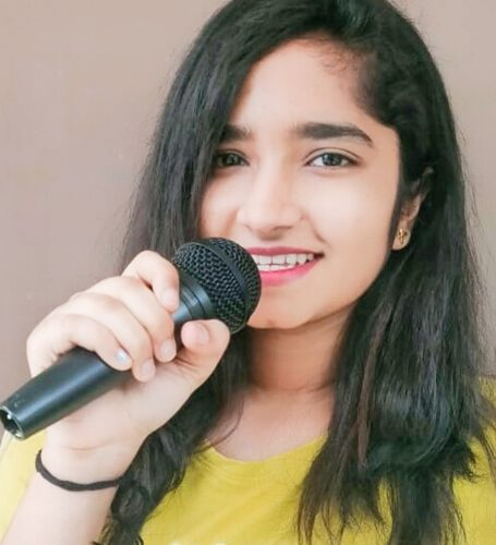 Singer Chandni Vegad Enters Bollywood