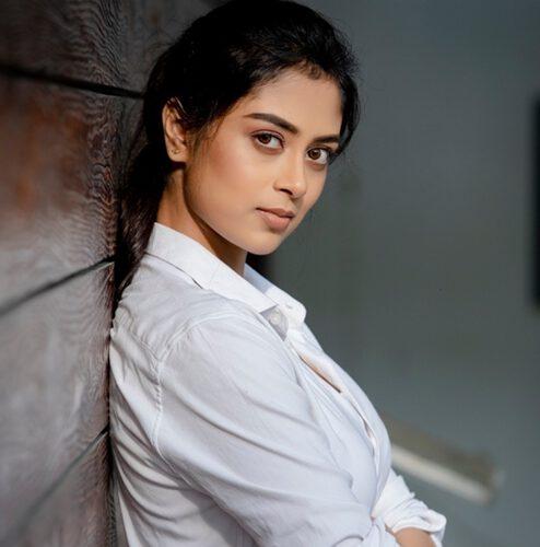 Vedieka Dutt Actress Her South Debut Starts With The Telegu Film Gangster Gangaraju